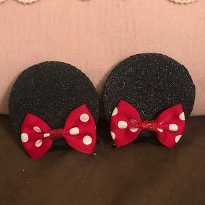 Minnie Mouse clip in ears